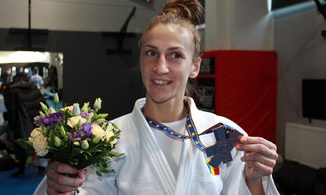 Monica Ungureanu, medalie de bronz la CE de judo, la categoria 48 kg