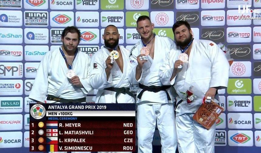 Judoka Vlăduţ Simionescu, medalie de bronz la Grand Prix Antalya